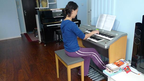 【老顾客】青岛音乐老师家里两台钢琴一台双排键电子图片