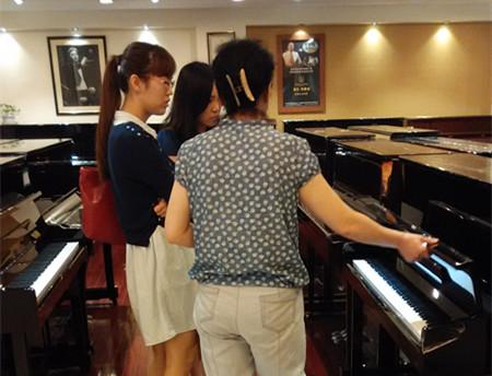 小姨送的结婚礼物雅马哈钢琴yc121_青岛钢琴_新浪博客