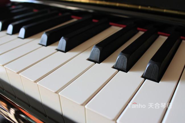 雅马哈钢琴YC系列