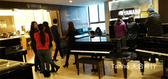 青岛雅马哈钢琴专卖店