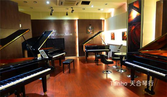 雅马哈钢琴专卖店天合琴行作为雅马哈专业销售渠道中重要的一员,通过