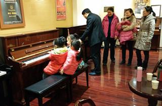 青岛凯撒堡钢琴UH123 城阳仨朋友相约天合团购