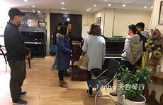 青岛4同事抱团在天合琴行团购5台恺撒堡钢琴