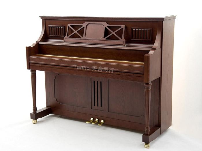 而长江钢琴的内部结构设计和托雅马钢琴