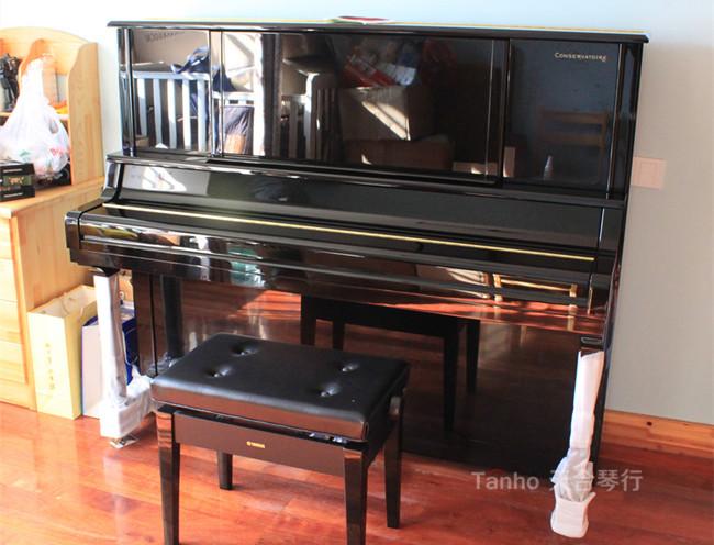 雅马哈钢琴YC131EX